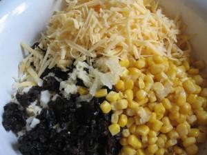 Салат из чернослива с кукурузой