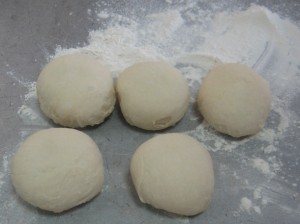 Как приготовить домашние булочки