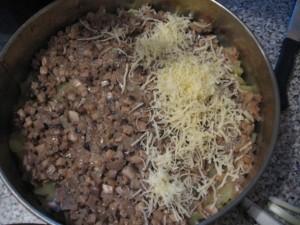 Пирог из картофеля с грибами